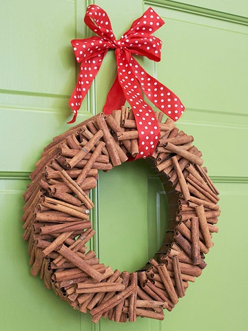 cinnaman stick wreath smells good and different from anything else