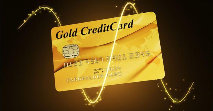 Cómo lograr la condonación de la deuda de la tarjeta de crédito. La condonación de la deuda no aplica para todos. Si puedes afrontar tus pagos mensuales a tiempo y la cuenta de tu tarjeta de crédito no está vencida, tal vez no deseas liquidar tus deudas. Una compañía de tarjetas de crédito no condona una deuda hasta que la cuenta está vencida. Las cuentas vencidas tienen un efecto negativo en tu historial ...