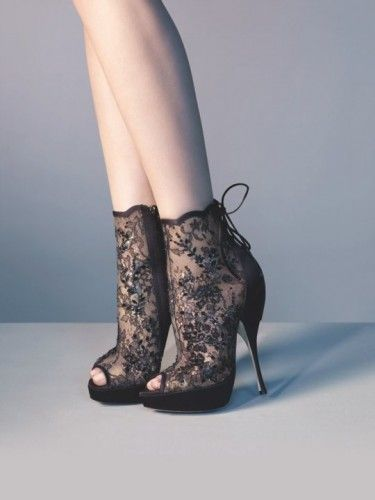 Dior lace booties again.