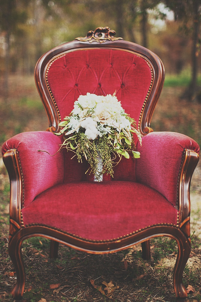 Forget How Beautiful This Bouquet Is . The Chair Is Incredible. One Of My  Favourite Weddings Resulted In Fabulous Photos Because Of Two Vintage Chairs .