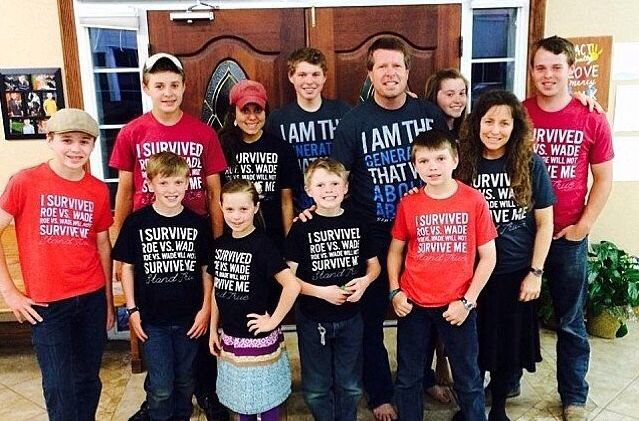 """Thousands of Pro-Lifers Support Duggar Family, Tell TLC to Keep """"19 Kids and Counting"""" http://www.lifenews.com/2014/11/21/thousands-of-pro-lifers-support-duggar-family-tell-tlc-to-keep-19-kids-and-counting/"""