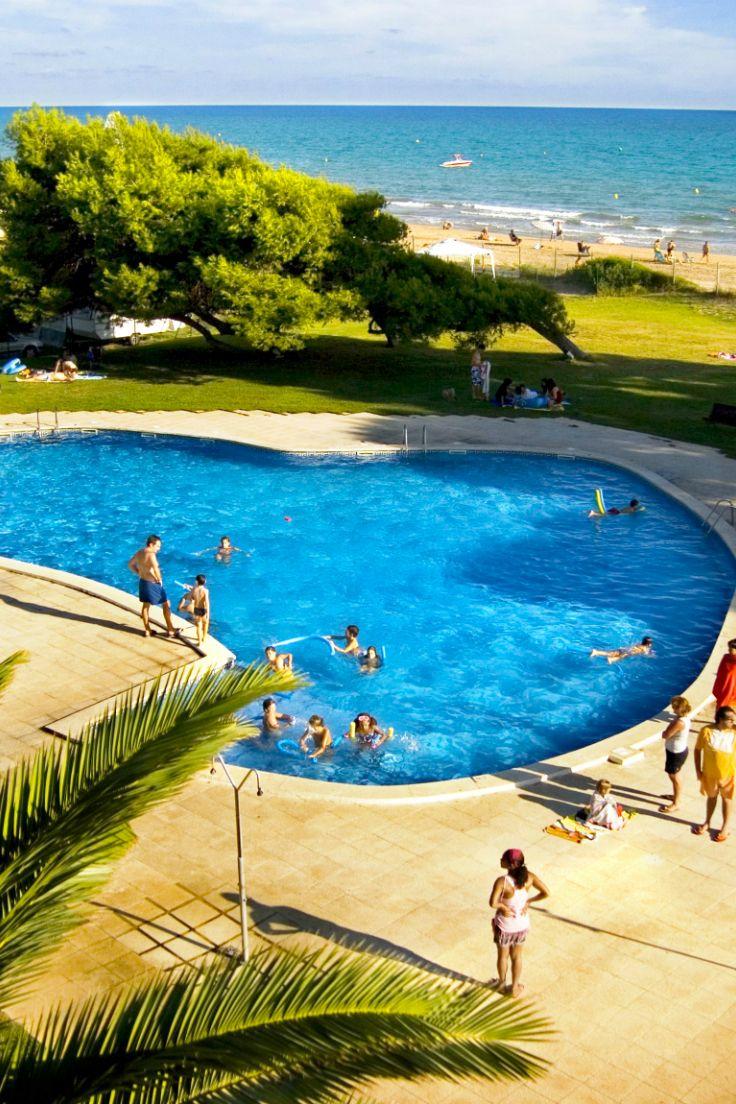 De Kids Spetteren Lekker In Het Kinderbad Terwijl Jij Je Vermaakt Aan De Beach Bar Camping Las Palmeras Ligt Direct Aan De Middellan Spanje Overdekte Veranda En Zwembaden