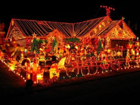15 Outrageously Beautiful Christmas Light Displays Decorating