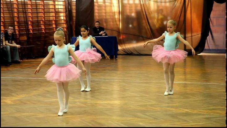 """Edukacja Artystyczna Dzieci - pokaz baletowy """"W krainie motyli"""""""