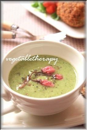 まるで飲むスープ。ブロッコリーと新タマネギのスープ☆