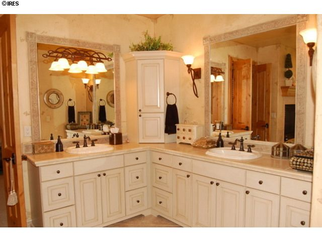 13 best images about l shaped double vanity bathroom for L shaped master bathroom layout