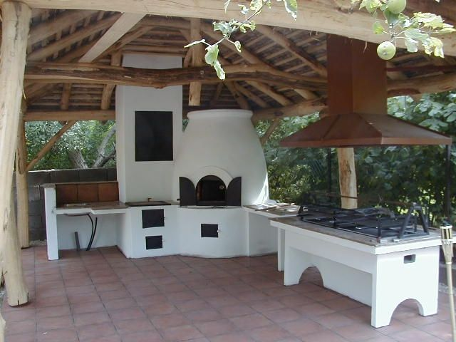 Outdoor Cooking Big Enough For Restaurants