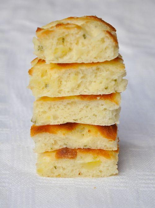 Focaccia soffice senza glutine con impasto alle patate e rosmarino