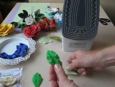Лист дикой розы из фоамирана. Как работать с молдами.