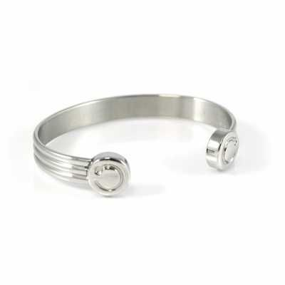 Bioflow Monet made from stainless steel and containing two powerful magnets which sit over the veins on the inside of your wrist