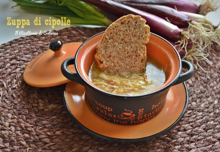Una buonissima zuppa di cipolle tradizionale, ma senza lattosio,per gustare un classico della cucina francese, senza sensi di colpa.
