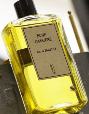 Bois d'Ascese Naomi Goodsir for women and men | balsamic, smoky, woody, whiskey, tobacco, warm spicy