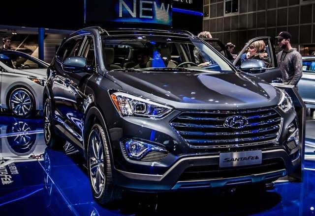 The Hyundai Santa Fe 2015 is fantastic SUV for 6-7 guests. This SUV includes GLS and restricted trim level edition. santa fe SUV is luxury c...