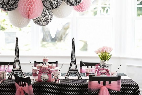 Set the table for les filles! Mix black, pink, white and patterns for a a sophisticated girl's birthday bash. #birthday #Paris