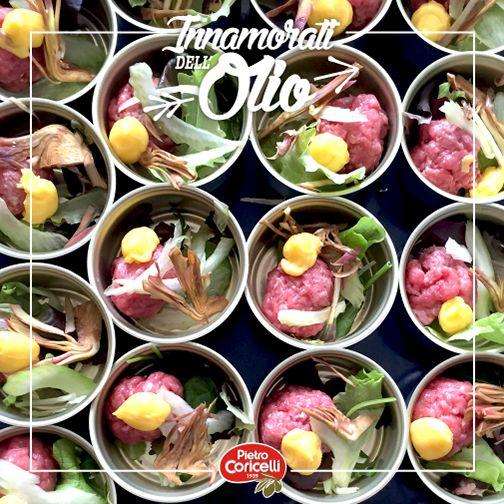 [l'amore è anche piacere della carne] TARTARE DI MANZO FASSONE CON MISTICANZA DI STAGIONE, PUNTARELLE E CARCIOFI E MAIONESE ALL'OLIO EXTRA VERGINE DI OLIVA di Nazareno Menghini #pietrocoricelli #oliveoil #extravirginoliveoil #raw #rawfood #food #recipe