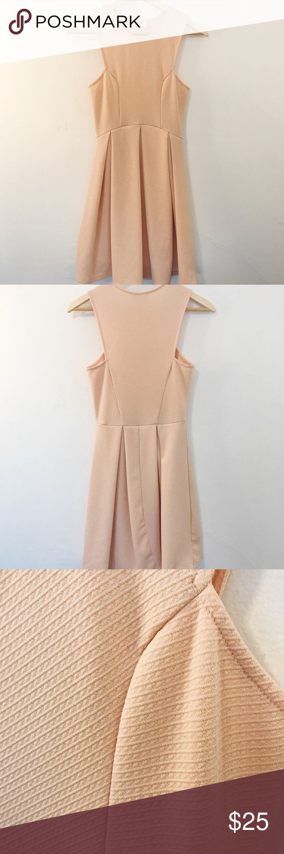 Pale pink knee length Everly dress - SMALL Pale pink textured Everly dress with cutout arm holes, size small. Great for weddings, baby showers, etc! One tiny pull on front, pictured. Everly Dresses Mini
