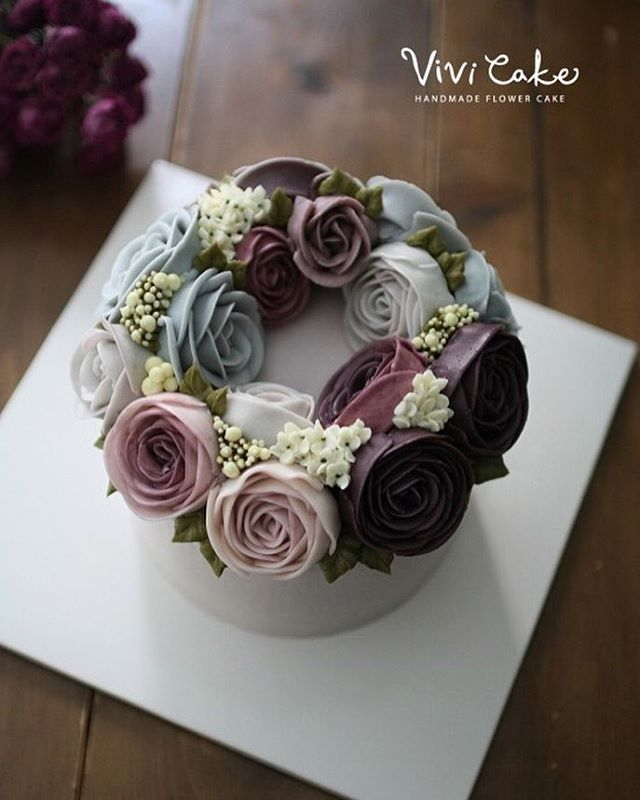 I LOVE the flowers on the back color but I doubt mom will be able to do them