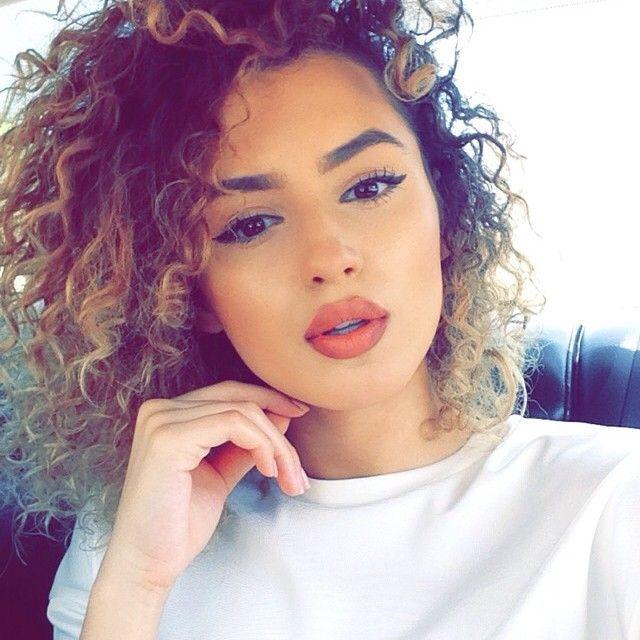Short curly hair: Short curly hair