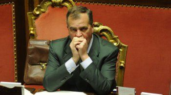 Grognards: Calderoli scarica Berlusconi: il vero leader del c...
