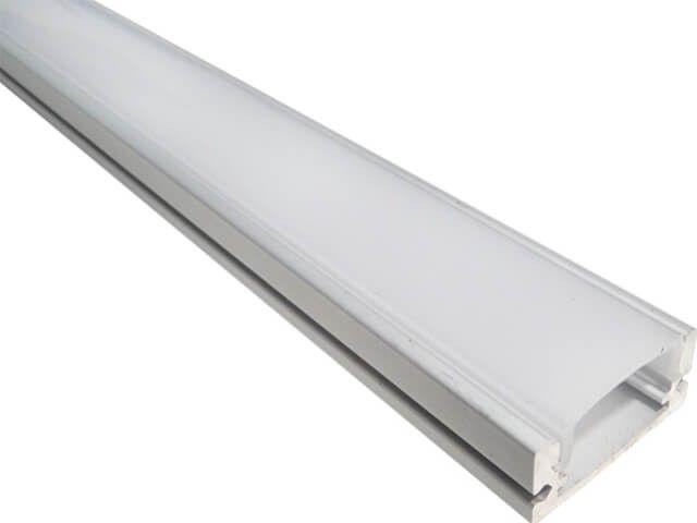 PROFIL ALUMINIU MAT APLICAT 100CM are dispersorul alb mat. Profilul din aluminiu este special creat pentru utilizarea cu banda LED 12V cu orice culoare. Accesoriul se vinde cu toate componentele de montaj incluse.