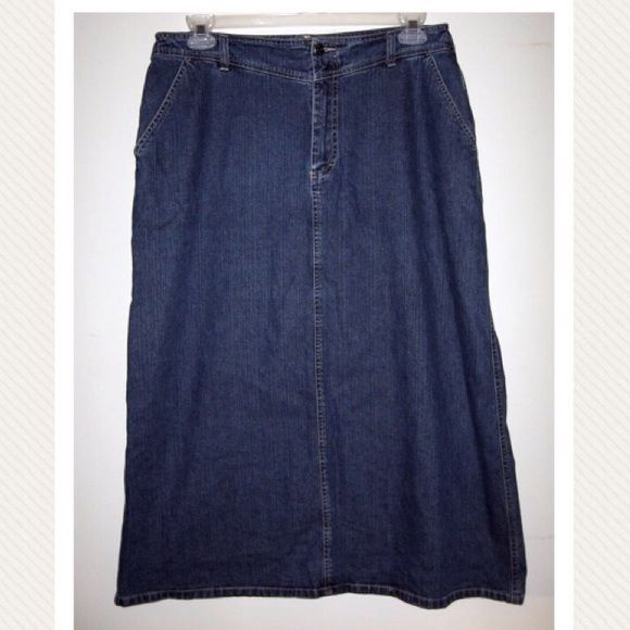 Vintage Gloria Vanderbilt Long Modest Denim Skirt 12.  Size: 12