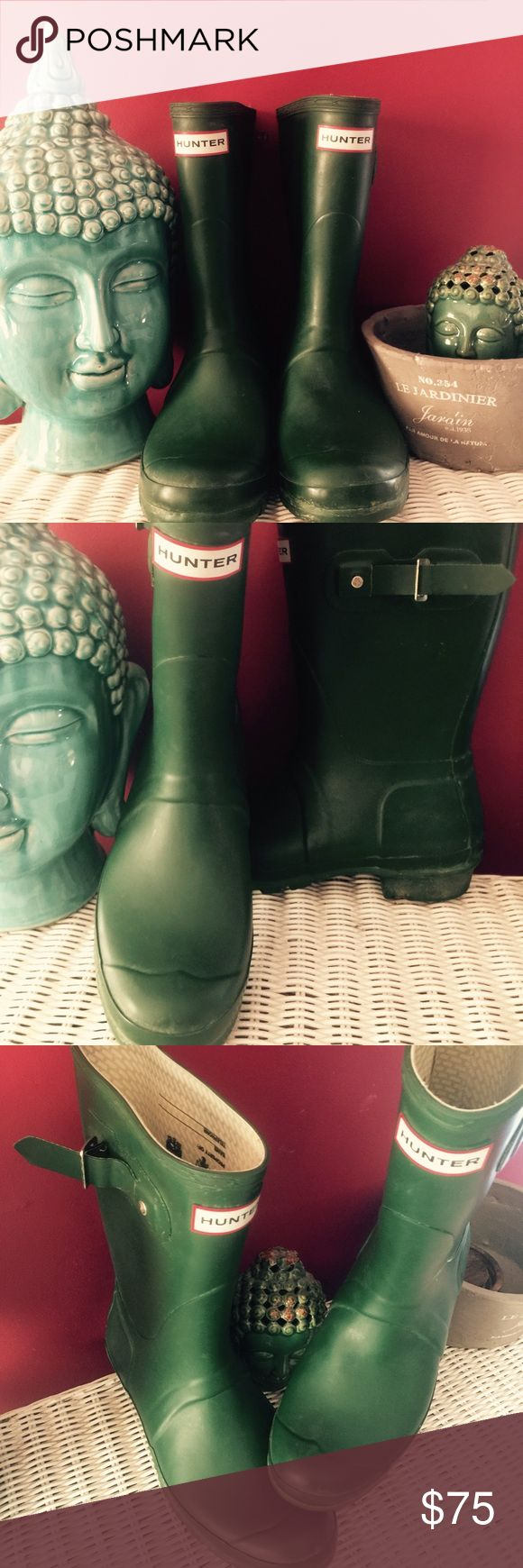 """Original Short"" Hunter Green Boot VERY gently worn original short Hunter rain boots in the classic Hunter Green color! Interior labels are UNTOUCHED so you can personalize them to your own liking. Perfect for the nasty rainy months ahead! Open to offers!! Hunter Boots Shoes Winter & Rain Boots"