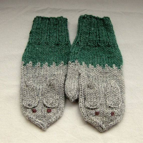 Rabbit mittens in green and grey for grownups by SaijaSkills, €21.00