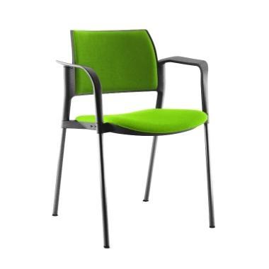 Silla visita Kyos G-CB. Silla fija, estructura metálica de 4 patas, pintura color gris, asiento y respaldo tapizado, con brazos,  patín protección al piso. Origen: italiano.