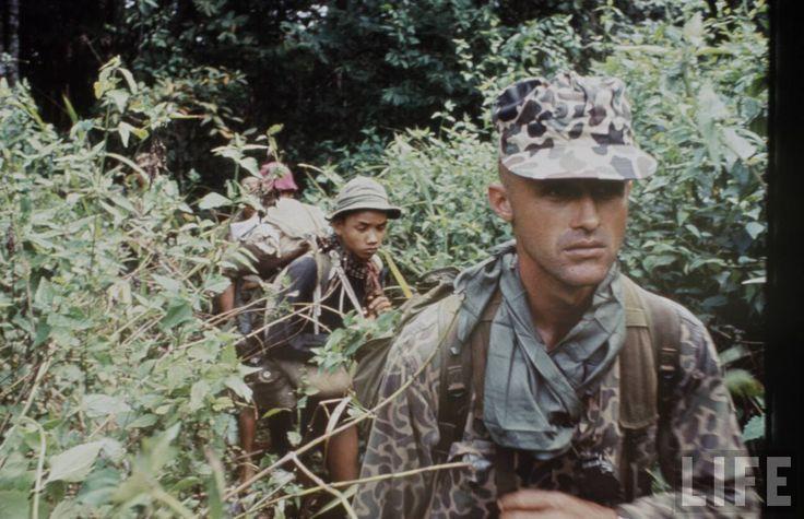 vietnam special forces with m14   La série complète ici.