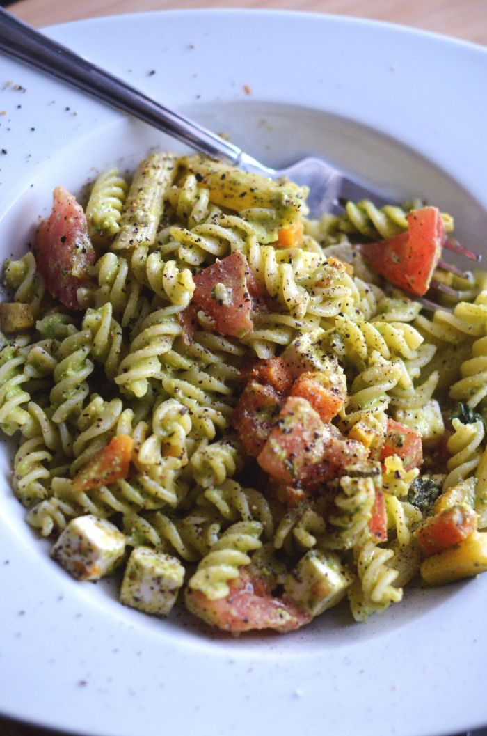 Arugula Pesto Pasta Salad! So delicious! #pesto #pasta #glutenfree