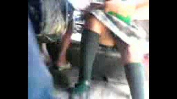 Espiando bajo la falda de una deliciosa edecan en ecatepec - 1 part 1