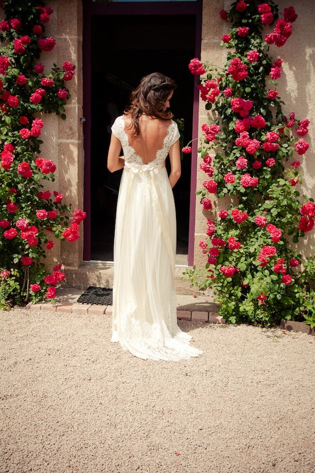 A Claire Pettibone bride and a gorgeous boho chic wedding in France! Love the back