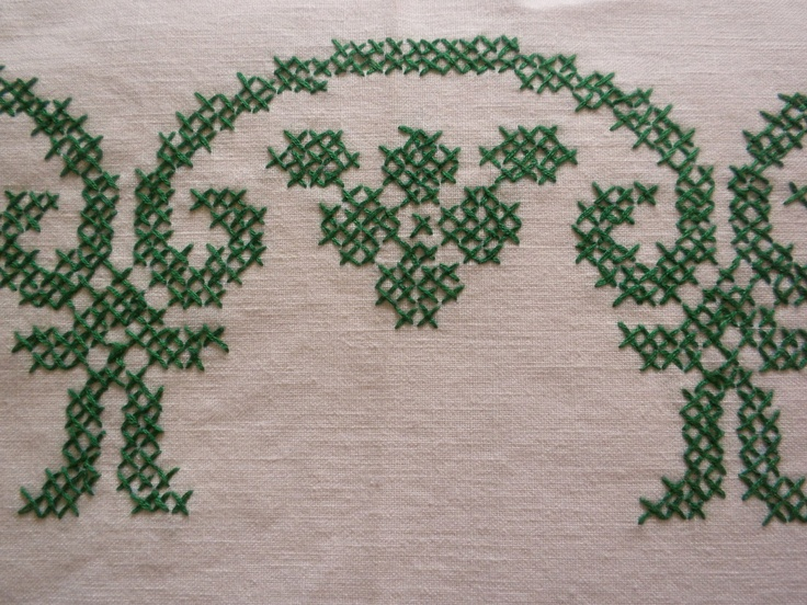 vintage tablecloth, embroidered tablecloth, large tablecloth, 66 x 51, white/green. $22.00, via Etsy.Stitches Work, Crosses Stich, Vintage Tablecloth, Beautiful Crosses, Plants Cell