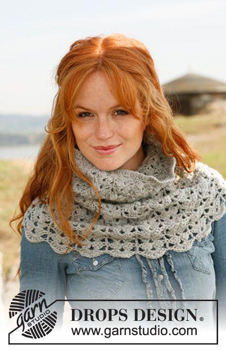 """Crochet DROPS neck warmer with fan pattern in """"Lima"""" or """"DROPS ♥ You #3"""". ~ DROPS Design"""