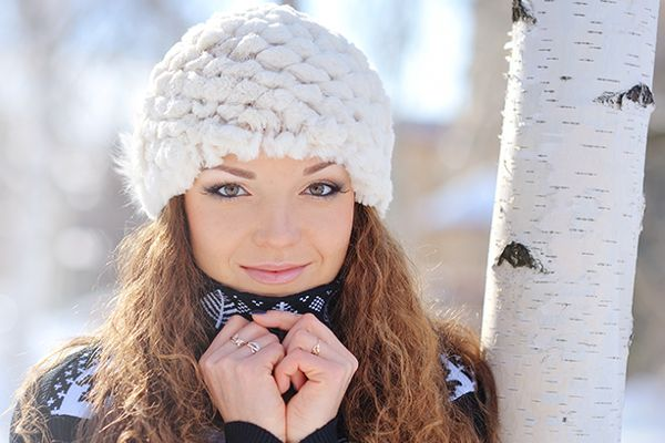 Nobody wants to have cold, dry, acne covered skin in the harsh Canadian winter months. To help you keep your skin healthy and happy we have 3 Cold Weather Tips to share with you right now