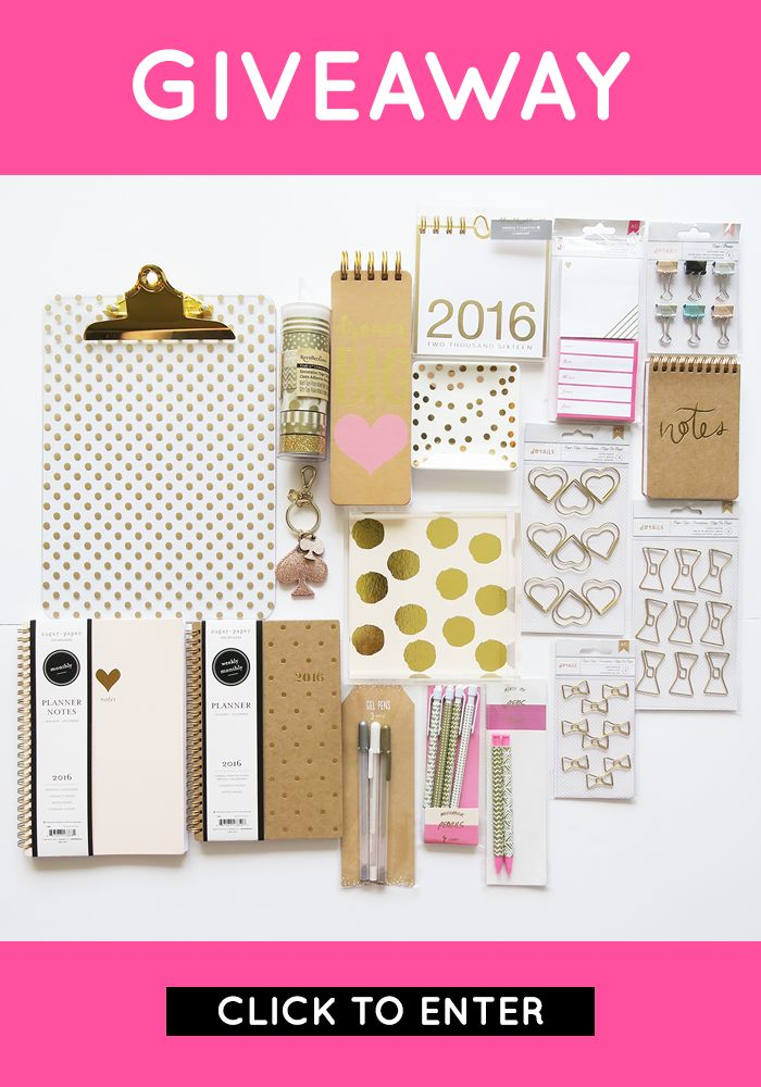 Click through to enter this chic gold giveaway! #giveaway
