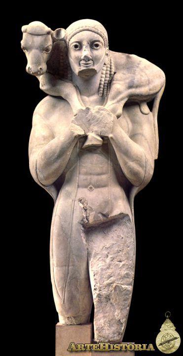 Moscóforo  Procede de la Acrópolis de Atenas. La figura masculina aparece en posición de Kuros, pero difiere en el ternero y en la posición de los brazos para sujetarlo, y en que lleva un manto adherido a la espalda y es barbado. Es el primer grupo escultórico de la escultura griega. Los ojos son incrustados de vidrio, y la barba , el pelo, el manto y el ternero estaban pintados.