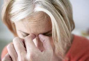 Tratamientos, causas y síntomas de la sinusitis | La sinusitis es una inflamación de la mucosa de los senos paranasales. Las cavidades paranasales se encuentran cerca de la cavidad nasal y están llenas de aire. Pero cuando dichas cavidades quedan bloqueadas por el fuido, gérmenes pueden desarrollarse muy por encima de lo normal y causar una infección. Lee más: http://saludtotal.net/causas-sintomas-de-sinusitis/