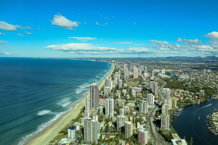 L3M2AS1 PArt C - View from a far - Sprawling City Scape - Level 77 of the Q1 Gold Coast - Canon 6D f/5.6, 1/500sec, ISO125, ExpoComp +1.3, at 24mm - feedback welcomed - sorry it's taken so long!