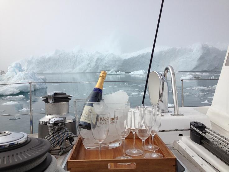 Groenlandia, agosto 2012: Che emozione bere il Franciacorta Pas Dosé fra gli iceberg del Circolo Polare Artico