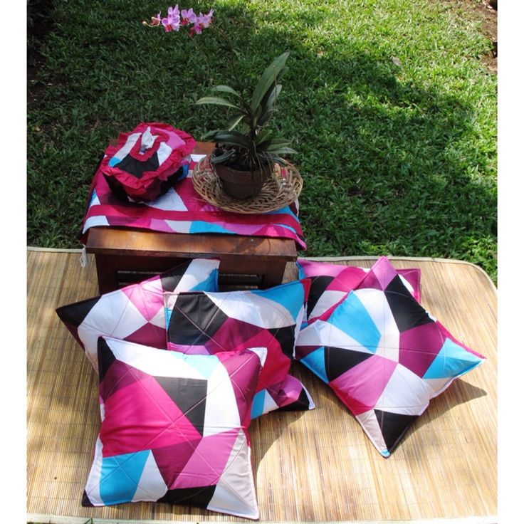 """Lets picnic with """"spectra"""" cushion set"""