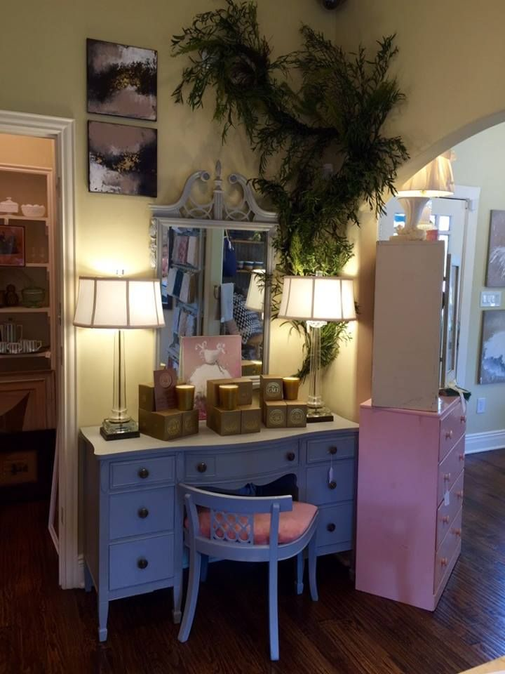 Shop At Lilian Welch In Frisco For Vintage And Antique Dcor