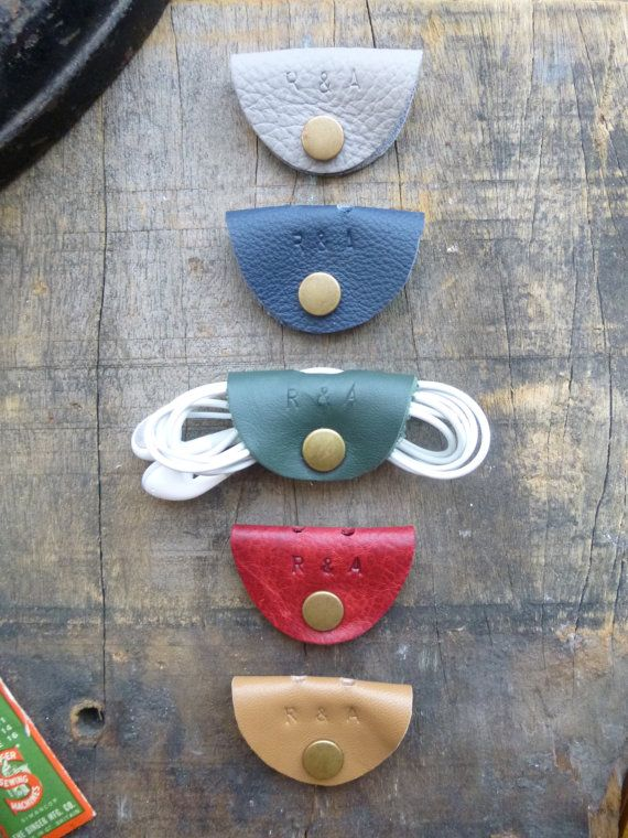 Leather Cable Organiser / Tidy / Headphone... great way to use up those old leather scraps!