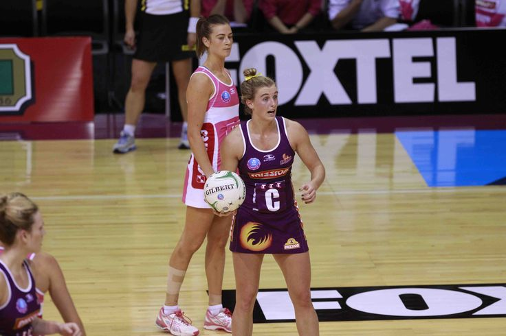 Thunderbirds power home in top-of-the table clash - THE Adelaide Thunderbirds showed their fighting qualities with a stirring come-from-behind 54-52 win over the Queensland Firebirds in Adelaide on Sunday.
