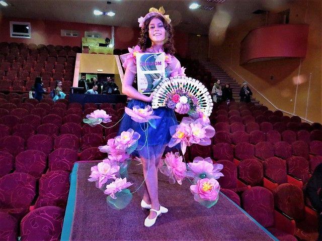 Участники «Шоу авангардной моды» в Тынде представили коллекции из мусора и отходов - Амурская служба новостей ASN24.ru