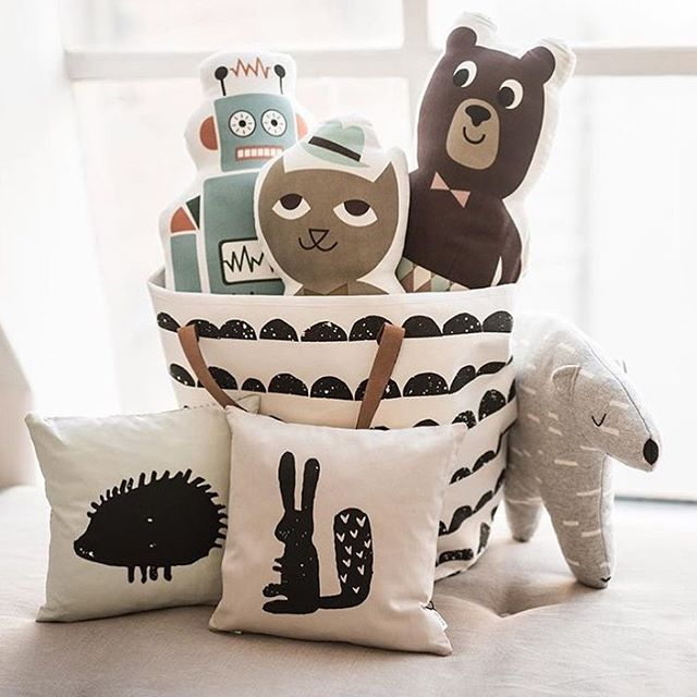 Our fun and playful kids cushions can brighten up every kids room. Chipsene between a lot of different colours and prints. Link in bio #fermlivingkid #danishdesign #kidscushion #mrrobot #mrbear #mrcat #hedgehog #rabbit #cushionforkids #kidsroom #regram @littlehipstar