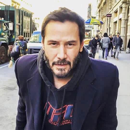 """DEMASIADO BUENO, PARA NO COMPARTIRLO...  Keanu Reeves escribió: """"La madre de mi amigo ha c..."""