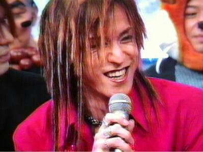 I love his smile ❤! Sugizo!