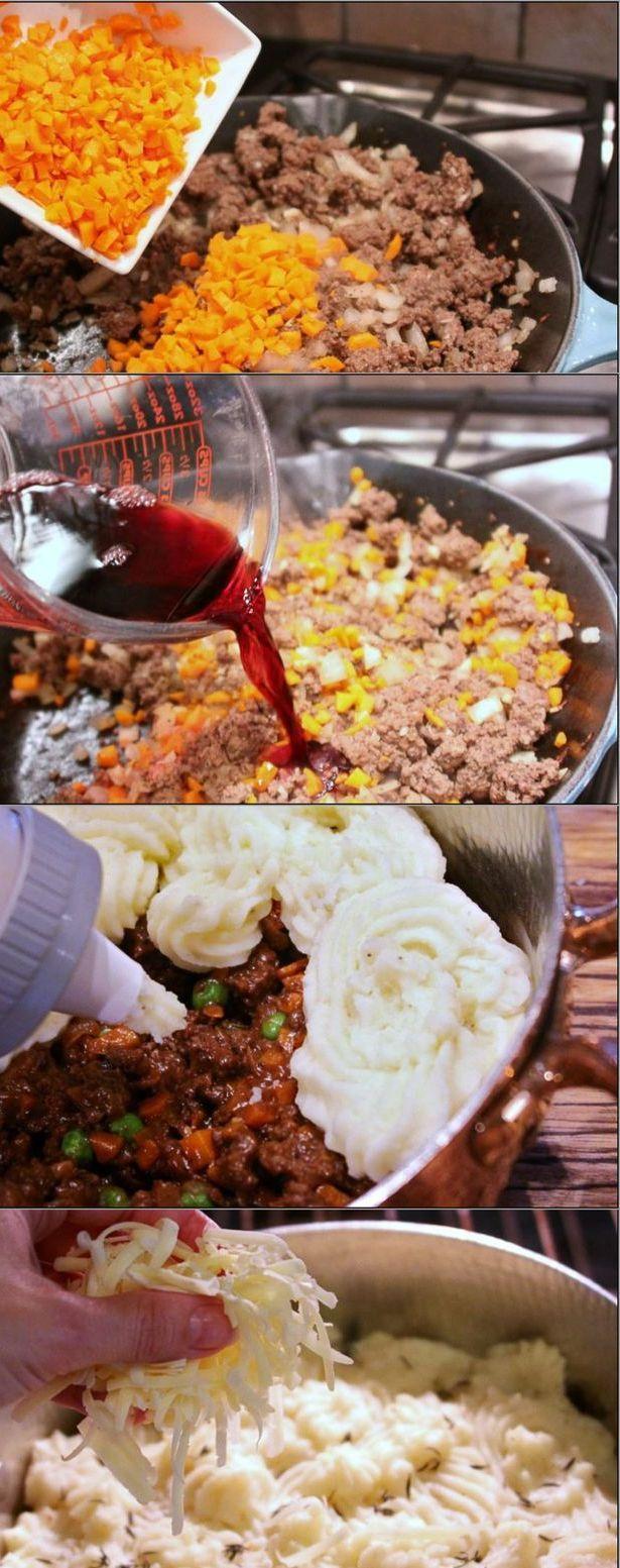 Pastel grilling meat in the oven made with ground beef, carrots, onions, peas, mashed potatoes and cheese Pastel de carne gratinado en el horno hecho con carne picada de ternera, zanahoria, cebolla, guisantes, pure de patatas y queso Subido de Pinterest. http://www.isladelecturas.es/index.php/noticias/libros/835-las-aventuras-de-indiana-juana-de-jaime-fuster A la venta en AMAZON. Feliz lectura.
