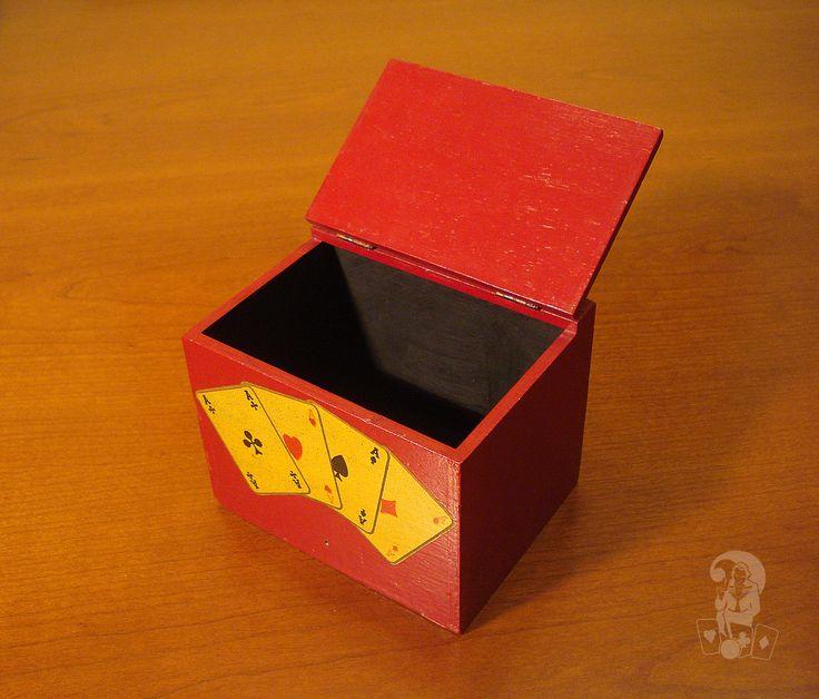 Anche dalla costruzione di una piccola scatola trapela una grande passione per l'arte magica del mago Dawson. Con questa scatola appare una carta o si trasforma in un'altra (1955 ca).